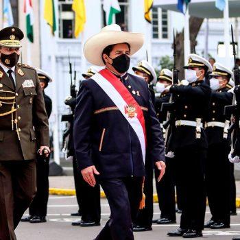 Perú: asumió el maestro rural Pedro Castillo
